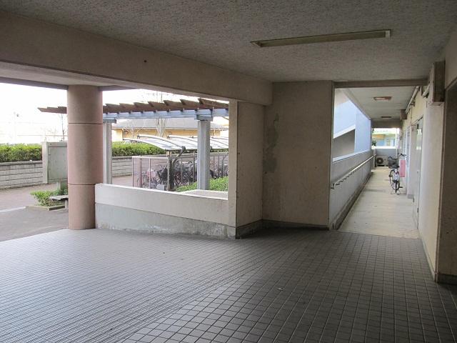 2(外廊下・横)_IMG_4799.JPG